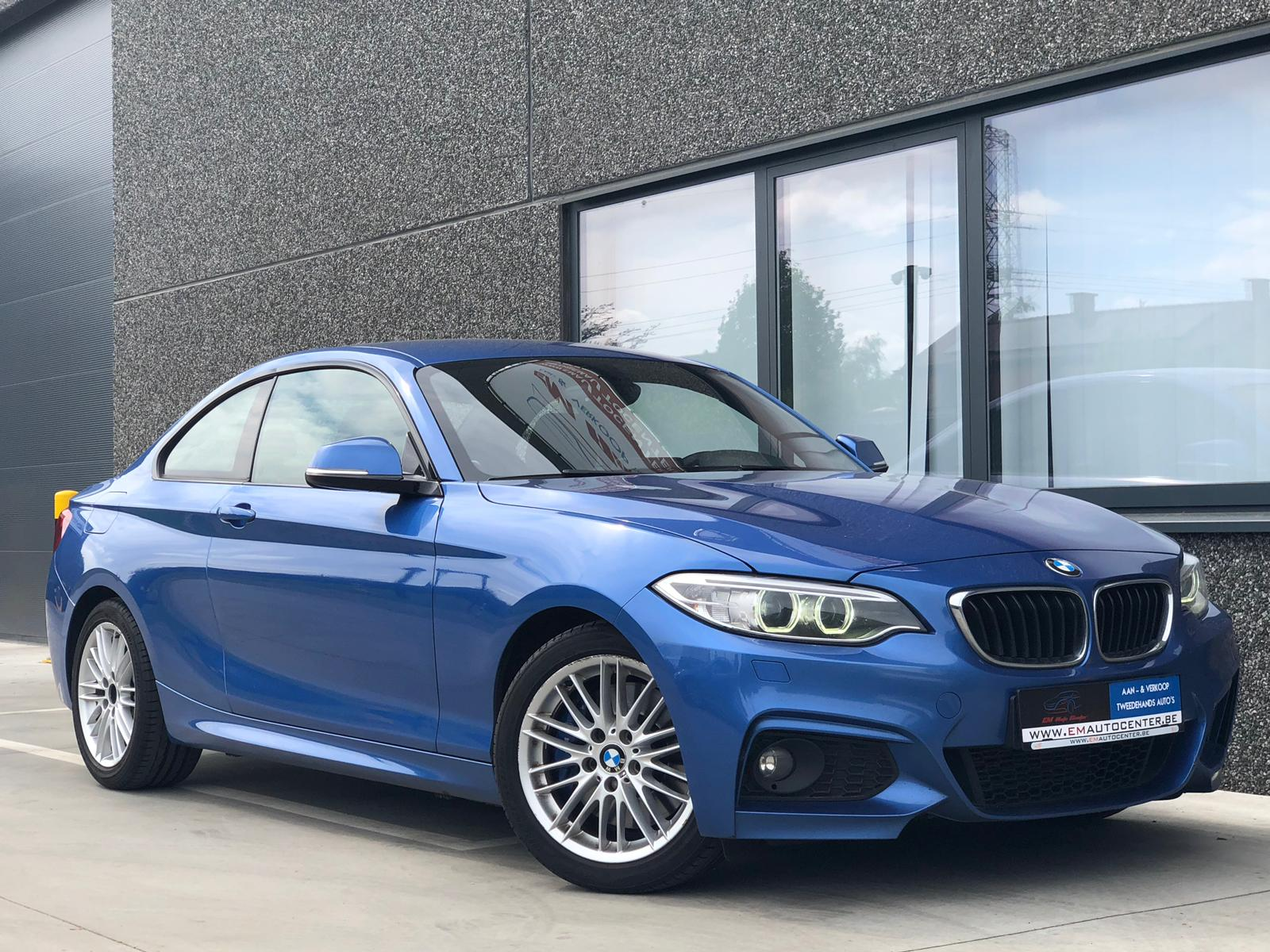BMW 220 COUPE