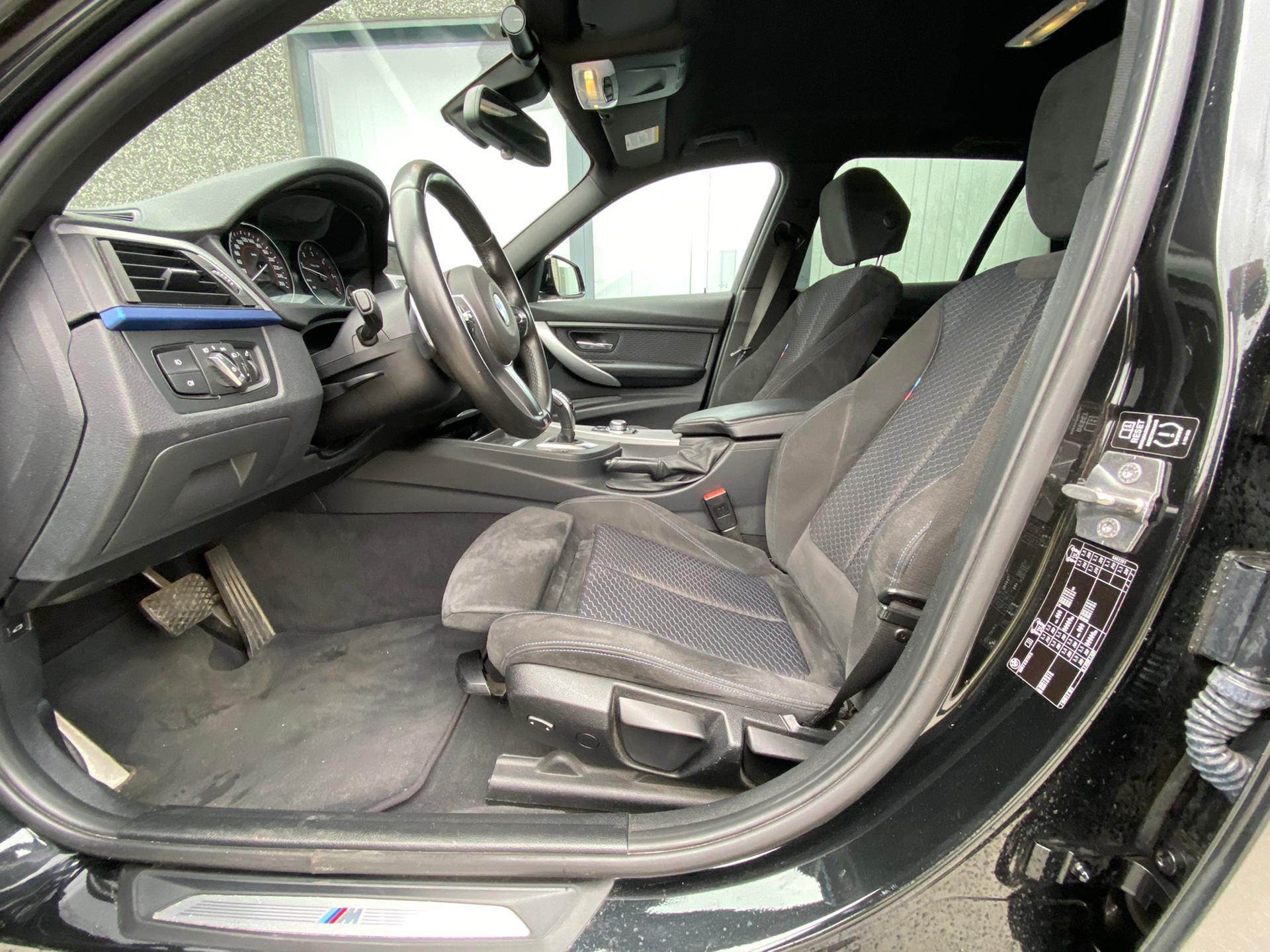 BMW 330 Performance